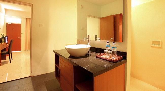 Griya Asri Hotel Bathroom