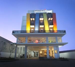Amaris Hotel Malang Exterior
