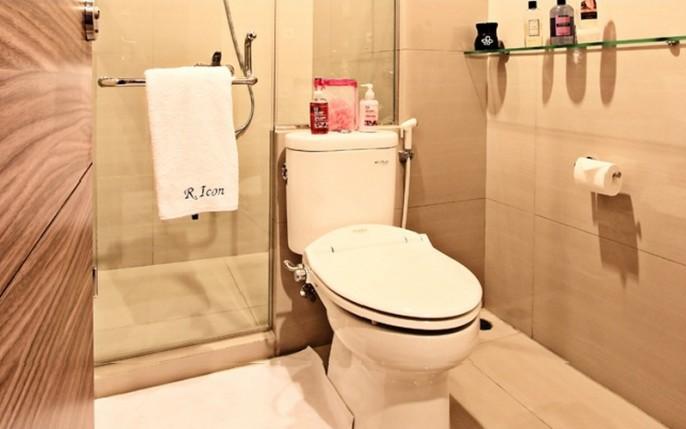 Rasuna Icon Jakarta Bathroom
