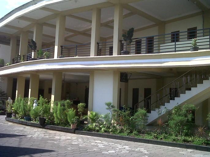 Hotel King Yogyakarta Exterior