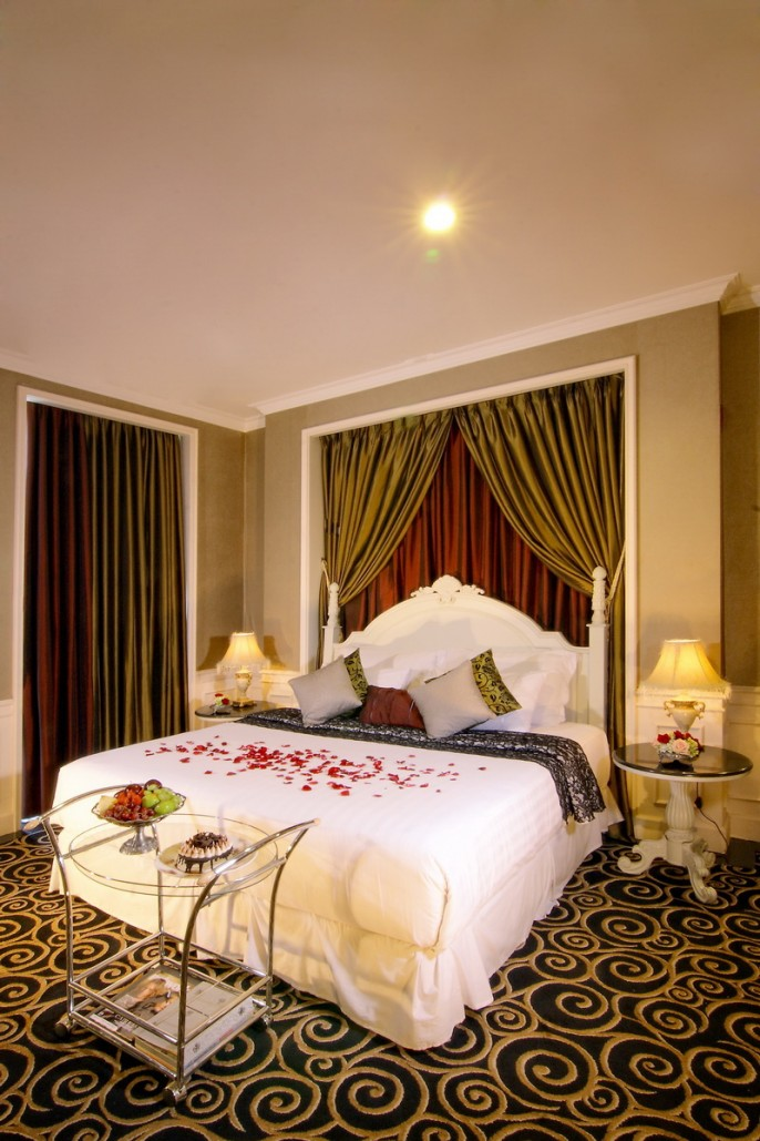 GH Universal Bandung Suite Room