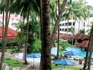 Danau Toba International Hotel Swimming Pool