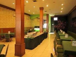 Hotel Mutiara Malang Balcony