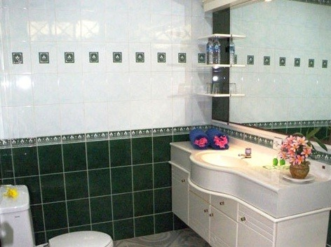 Apartment Pemandangan Laut (Seaview Apartment) Bathroom